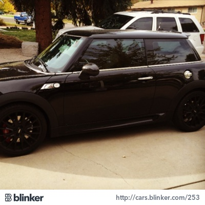 2009 Mini Cooper 2009 Mini CooperI have chosen to list this vehicle on Blinker Blinker offers ma